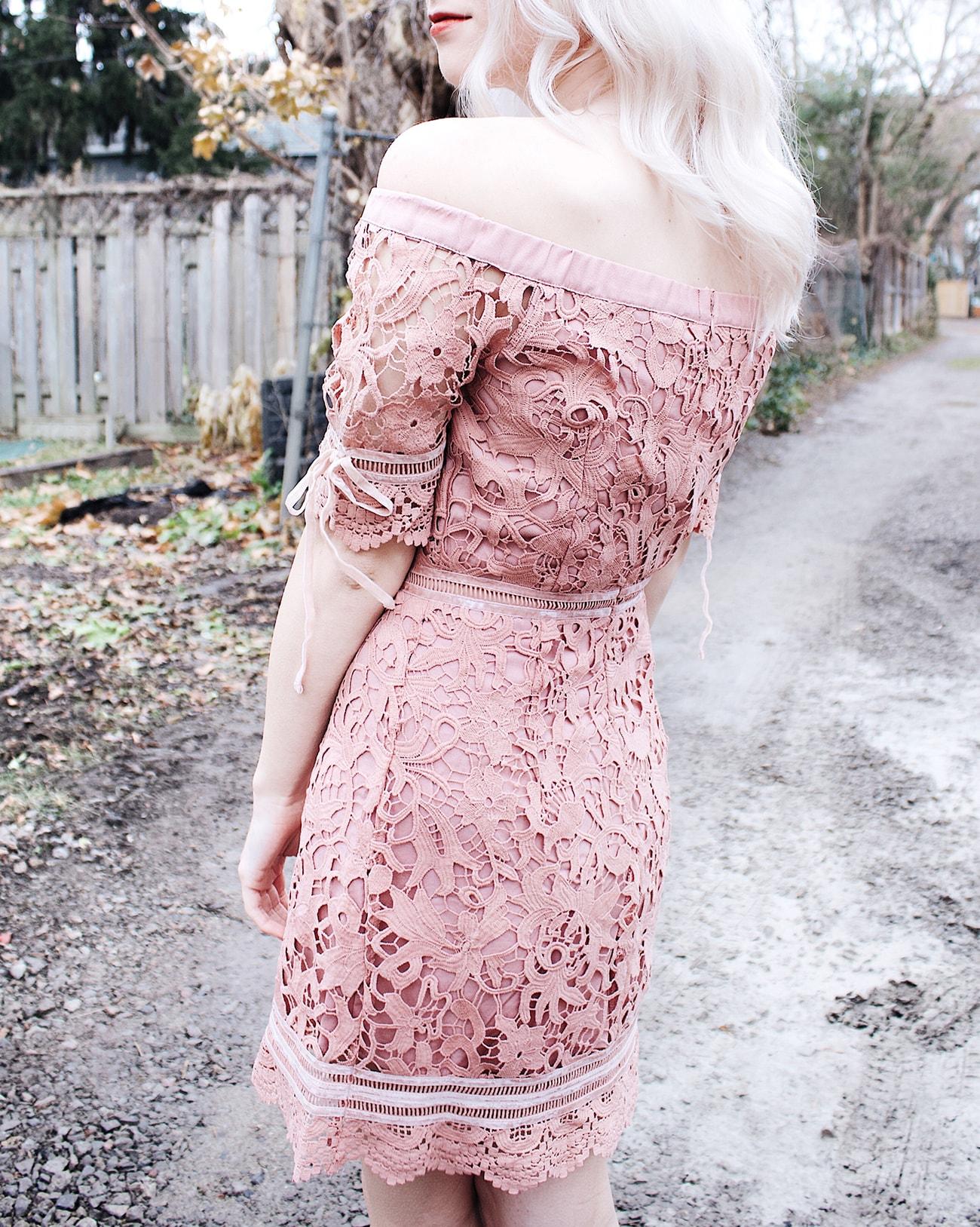 kitsu pink lace dress details